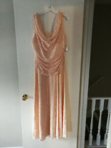 Light Peach colored mother of the bride dress  (size 18)