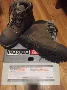 "Dakota Women's 6"" Quad Comfort Safety Boots Cambridge Kitchener Area image 1"