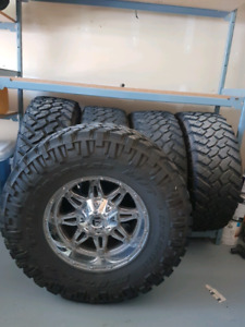 35 inch Nitto Trail grappler tires