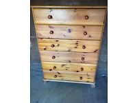 Pine chest of drawers for sale/ FREE DELIVERY
