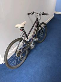 Hybrid bike small frame good condition