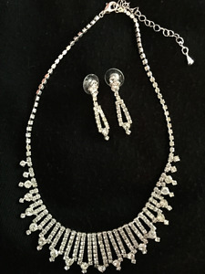 Necklace and earings
