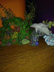 Bassin d'eau et accessoires divers pour aquarium
