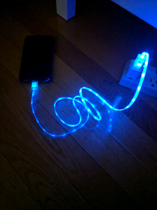 Blue LED light charger - iPhone/iPad/iPod