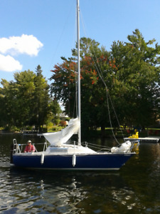 CS 22 SAILBOAT FOR SALE WITH TRAILER $3900