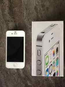 Mint Condition - iPhone 4S 8GB