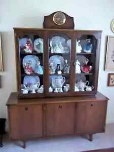 MID-20th century design China cabinet/Bookcase.