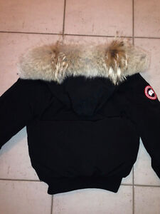 Authentic women's CANADA GOOSE jacket for sale XS