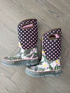Girls size 12 Bogs- used condition- $15