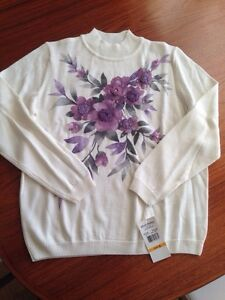 Brand new women's sweater - Alfred Dunner (S)
