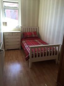 AFTER A SINGLE ROOM TO MOVE INTO ASAP? We have one in Plaistow, 10 minutes from Canning Town.