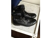 Men's Leather boots - SIZE 9