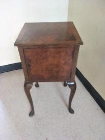 Antique burr wallnut bedside table / side table