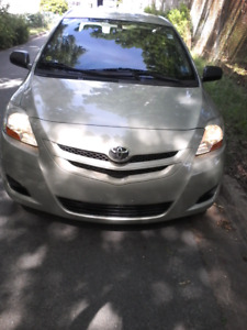 2008 Toyota yaris. Low KM. (FINANCING AVAILABLE )