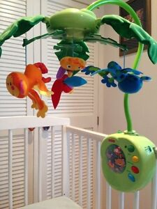 Mobile Fisher Price  Musical et Lumineux