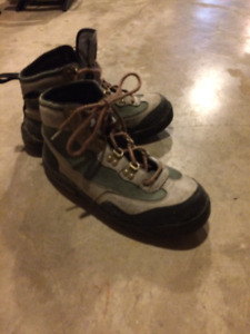 Size 9 Mens Orvis Wading Shoes