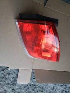 Brake light passenger side/ right side 2006-13 chevrolet impala