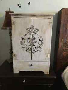 Rustic/Country Night Stand Or Jewlery Box