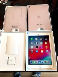 ~Like new~ IPAD Pro 9.7 32G wifi w 2 cases and charger gold orig