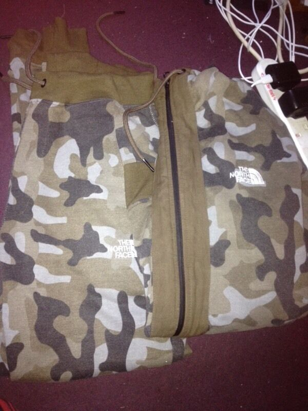 Tracksuit North facein Aston, West MidlandsGumtree - North face tracksuit camo worn twice to tight on me its a medium collect or I can deliver £5 charge on delivery call or text me on this number 07931231549