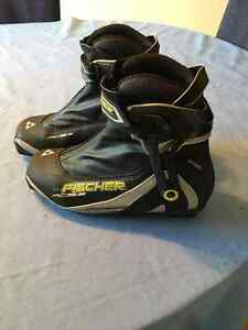 Fischer RC5 Combi XCountry Boots  size 42