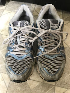 Free Runners-Size 10