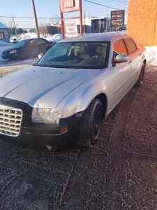 Chrysler 300 2005  2300$ ou echange