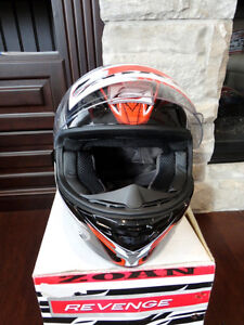Zoan Revenge Helmet Size XS Red w/4 Visors Included!! Brand New Kitchener / Waterloo Kitchener Area image 5