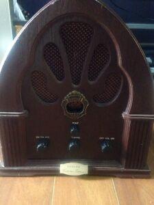 Lloyds collectors edition wooden radio  Cambridge Kitchener Area image 1