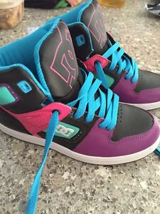 DC girls sneakers US size 4