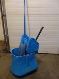 Bucket ,Downpress Wringer and Mop Handle with Wet Mop