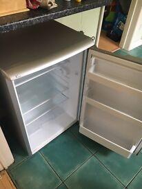 Under counter fridge £35 - excellent condition.