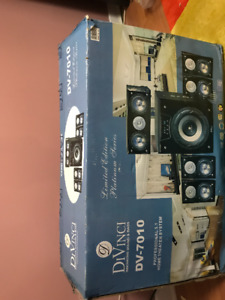 Unopened DiVinci DV-7010 home theater system