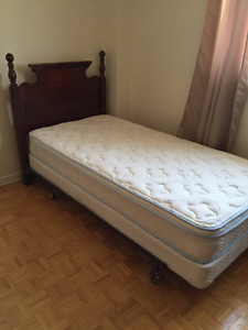 Selling single bed set