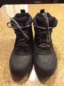 North Face Winter Boots - Size 5 Boys Peterborough Peterborough Area image 2