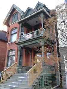 Charming heritage 2 bedroom apartment