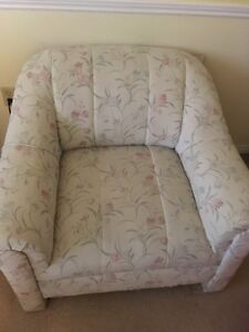 Arm chair in good condition FREE :)
