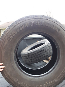 Like new 265/70r17 tires
