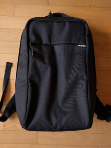 InCase computer backpack (NEW)