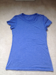 Lululemon Blue T-shirt Size 8 Priced to sell