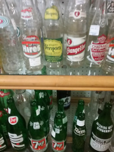 Old bottles, nostalgia tins, antiques, collectibles +1000 booths