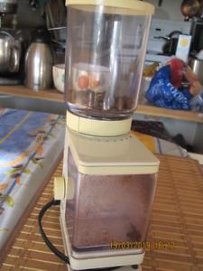 Braun Coffee Grinder KMM20