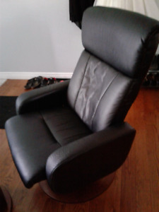 Leather swivel reclining chair with ottomant