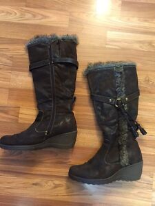 Ladies Leather Winter Boots