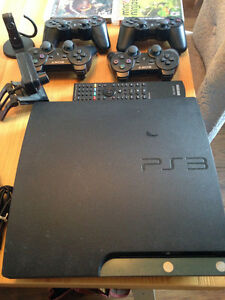 PS3 250g+ 4 manettes + camera + télécommande + headset bluetooth