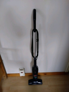 Bissell 3 way bagless vacuum $15 takes Works Great