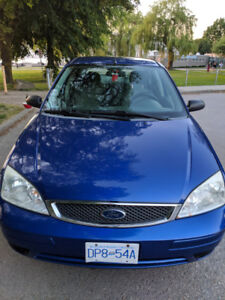 2005 Ford Focus zx4 SE Blue $2100