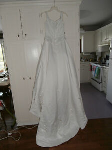 WEDDING GOWN PINK SATIN FLOWERS CLEAN