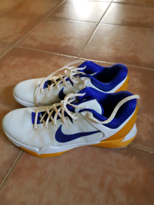 Size 12 mens basketball shoes
