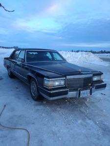 92 Cadillac fleetwood broughm 5.7l car